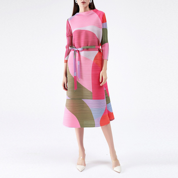 Geometric Pattern Pleated Dress with Sashes