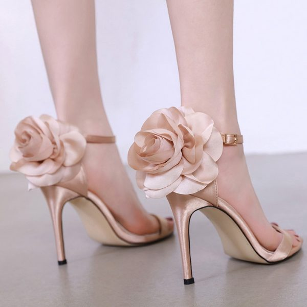 Women Sandals with Ankle strap Features Flower Cover